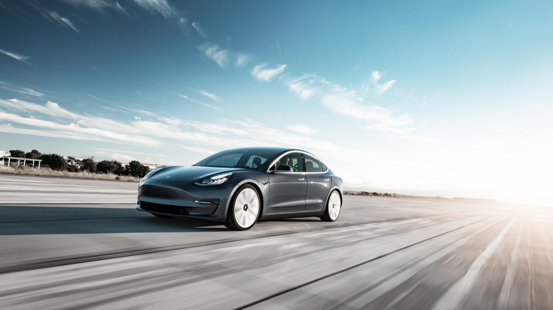 Test: Tesla Model 3 Performance AWD (2019) - DRIVR