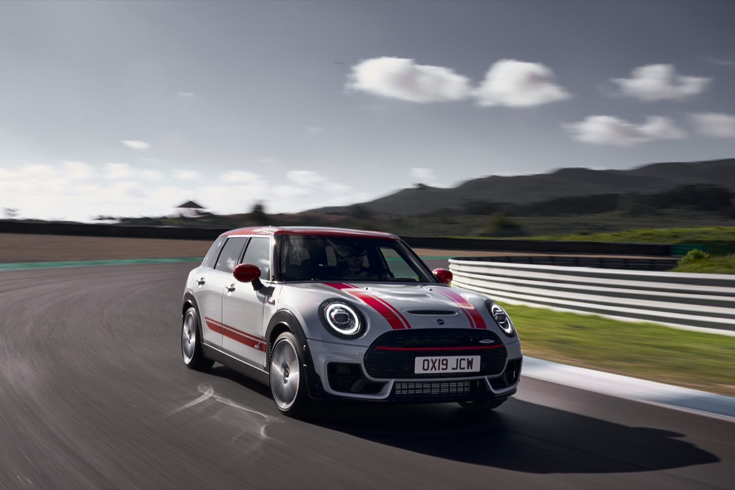 2019_mini_clubman_john_cooper_works_02
