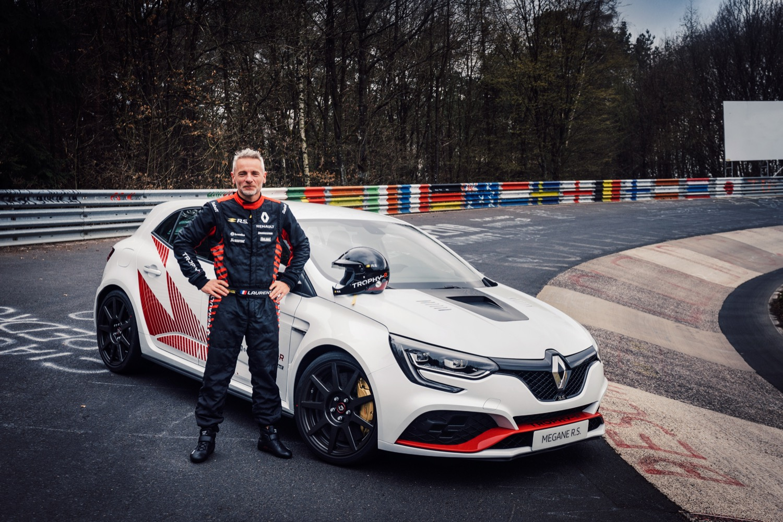 2019_renault_megane_rs_trophyr_nurburgring_04