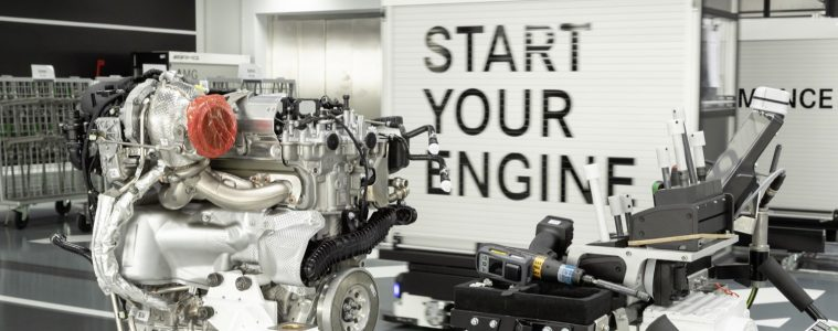 2019_mercedes_amg_m139_engine_40