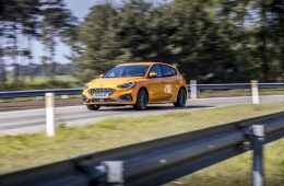 2019_ford_focus_st_test_08