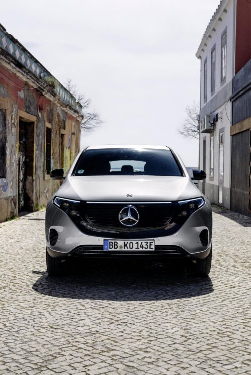2019_mercedes_eqc_400_4matic_suv_electric_14