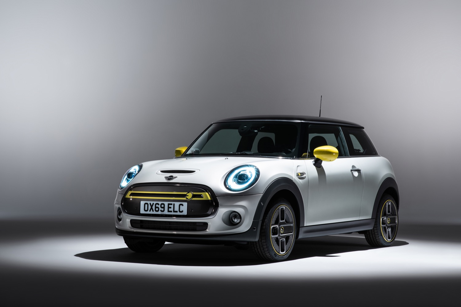 2019_mini_electric_04