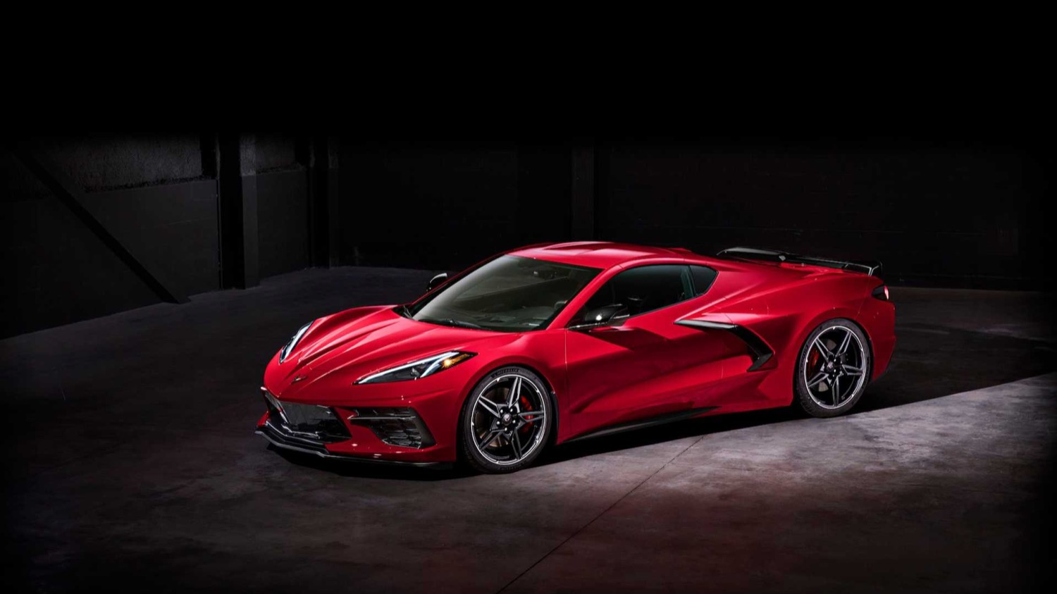 2020_corvette_stingray_c8_02
