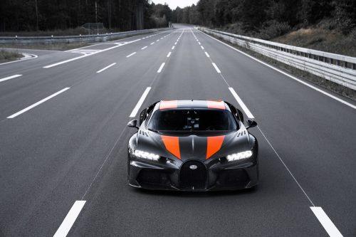 2019_bugatti_chiron_worldrecord_300_mph_01