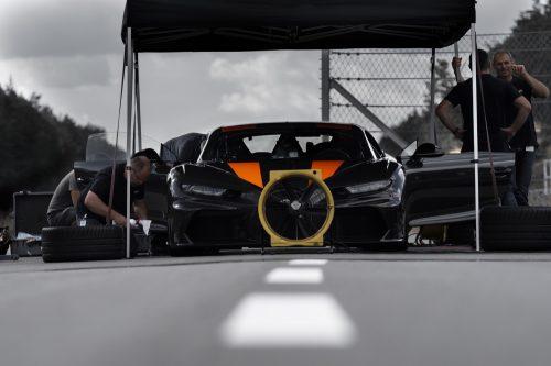 2019_bugatti_chiron_worldrecord_300_mph_08
