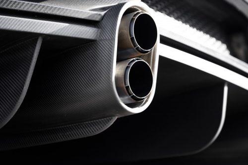2019_bugatti_chiron_worldrecord_300_mph_13