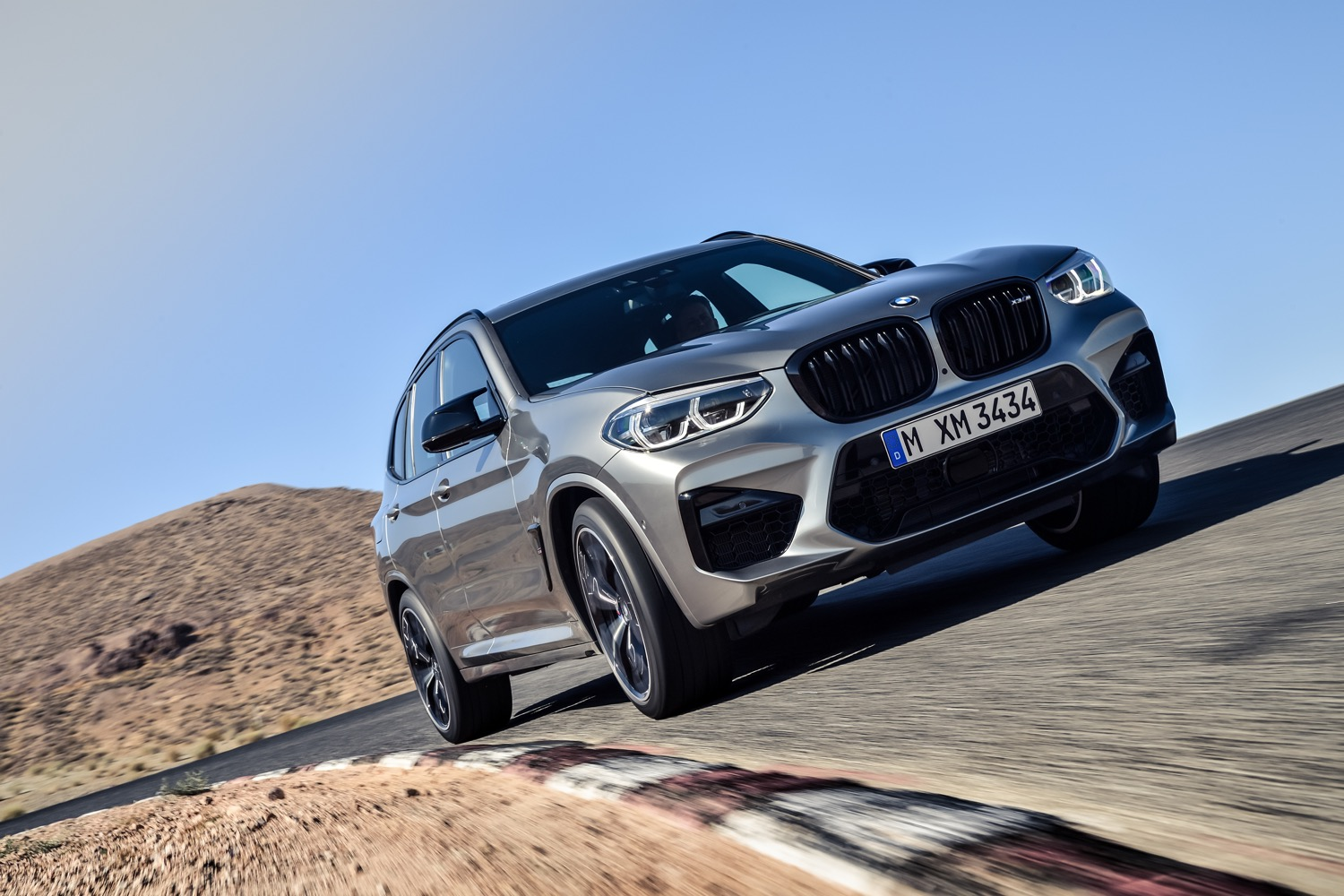 2019_bmw_x3m_competition_test_01