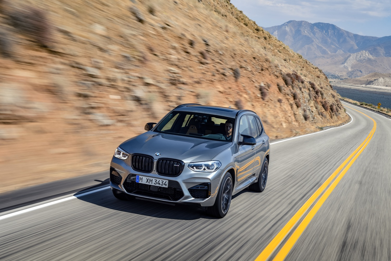 2019_bmw_x3m_competition_test_03