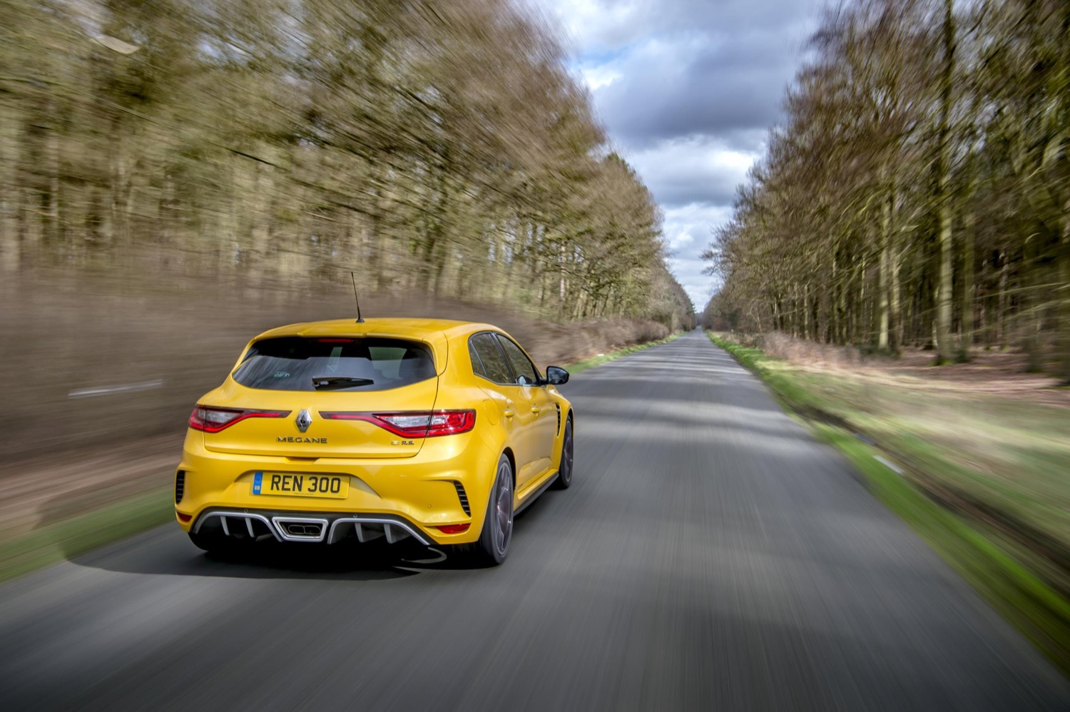 2019_renault_megane_rs_trophy_edc_test_08
