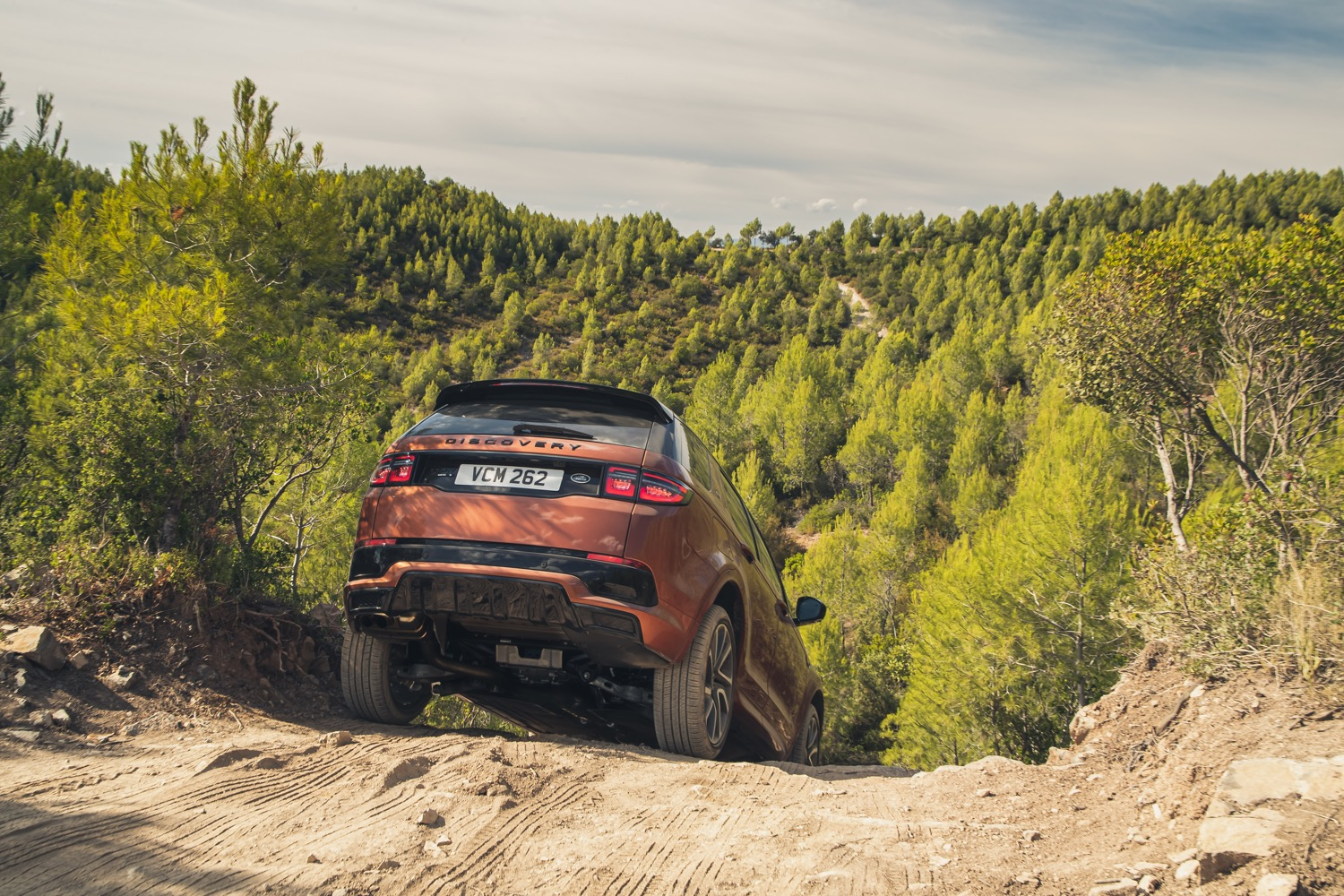2020_land_rover_discovery_sport_facelift_09