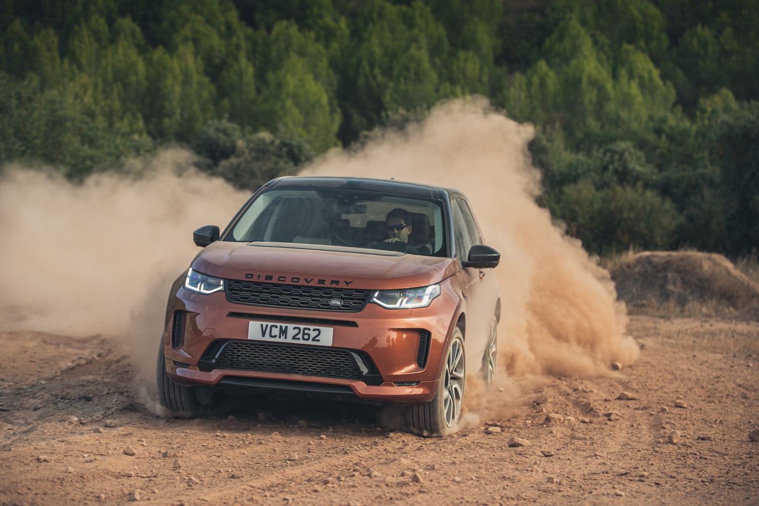 2020_land_rover_discovery_sport_facelift_11