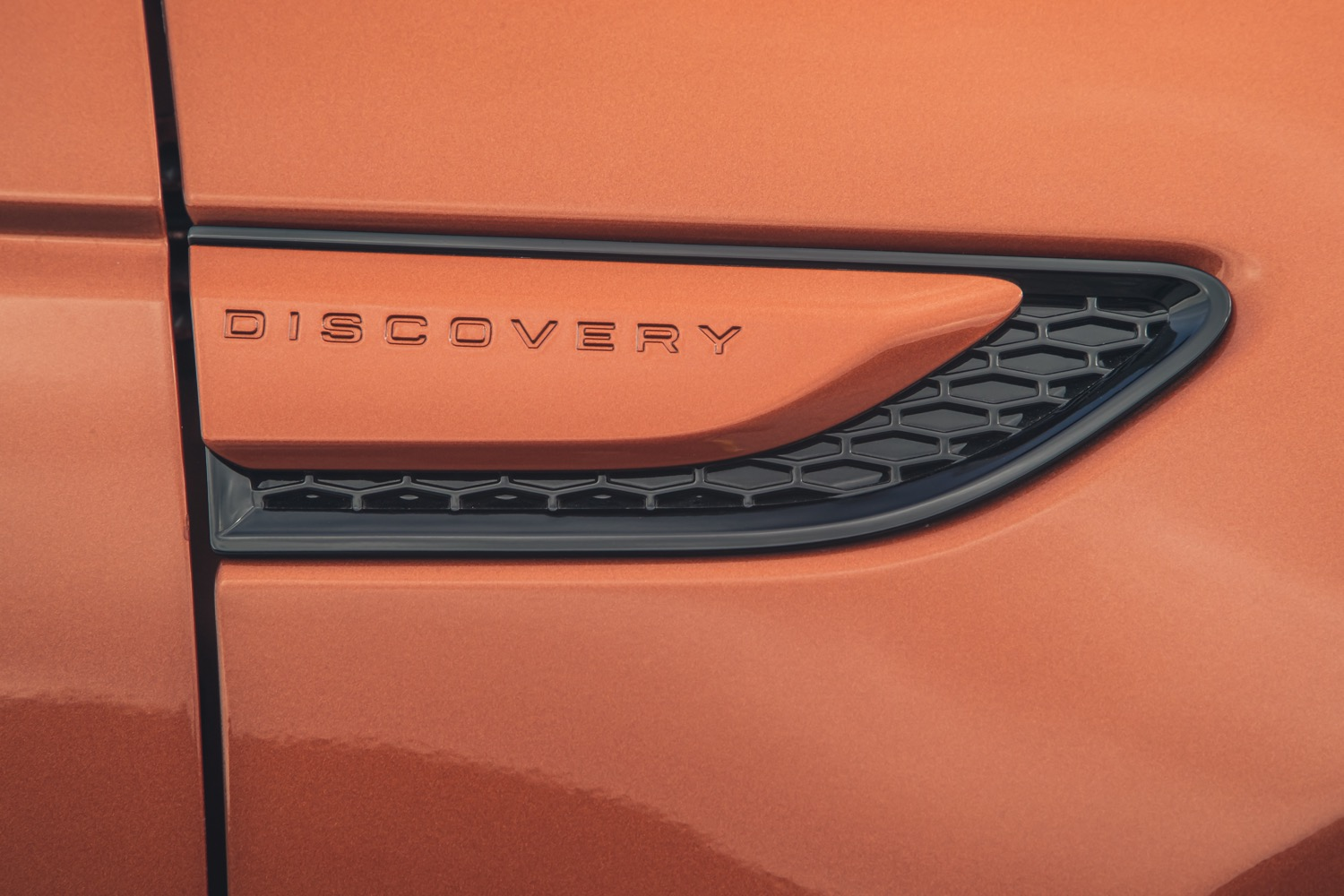 2020_land_rover_discovery_sport_facelift_13