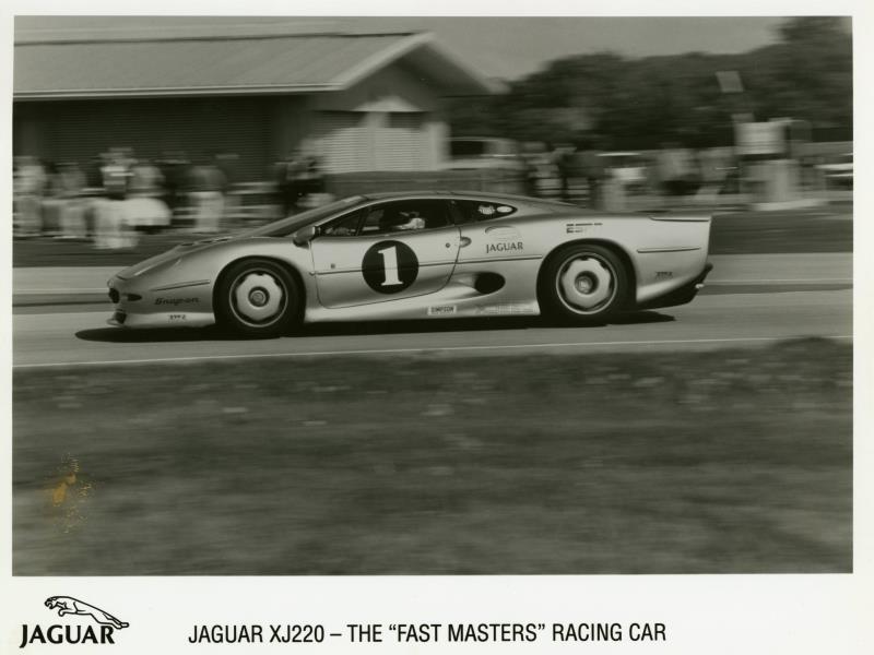 jaguar-XJ-220-Fast-Masters