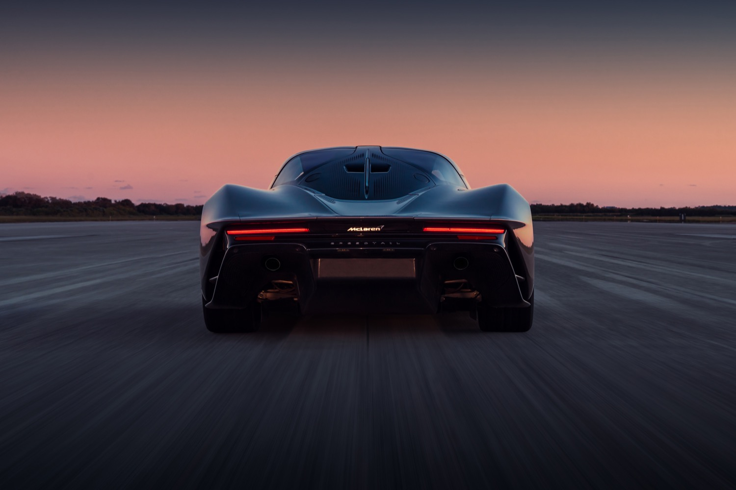 2020_mclaren_speedtail_max_speed_04