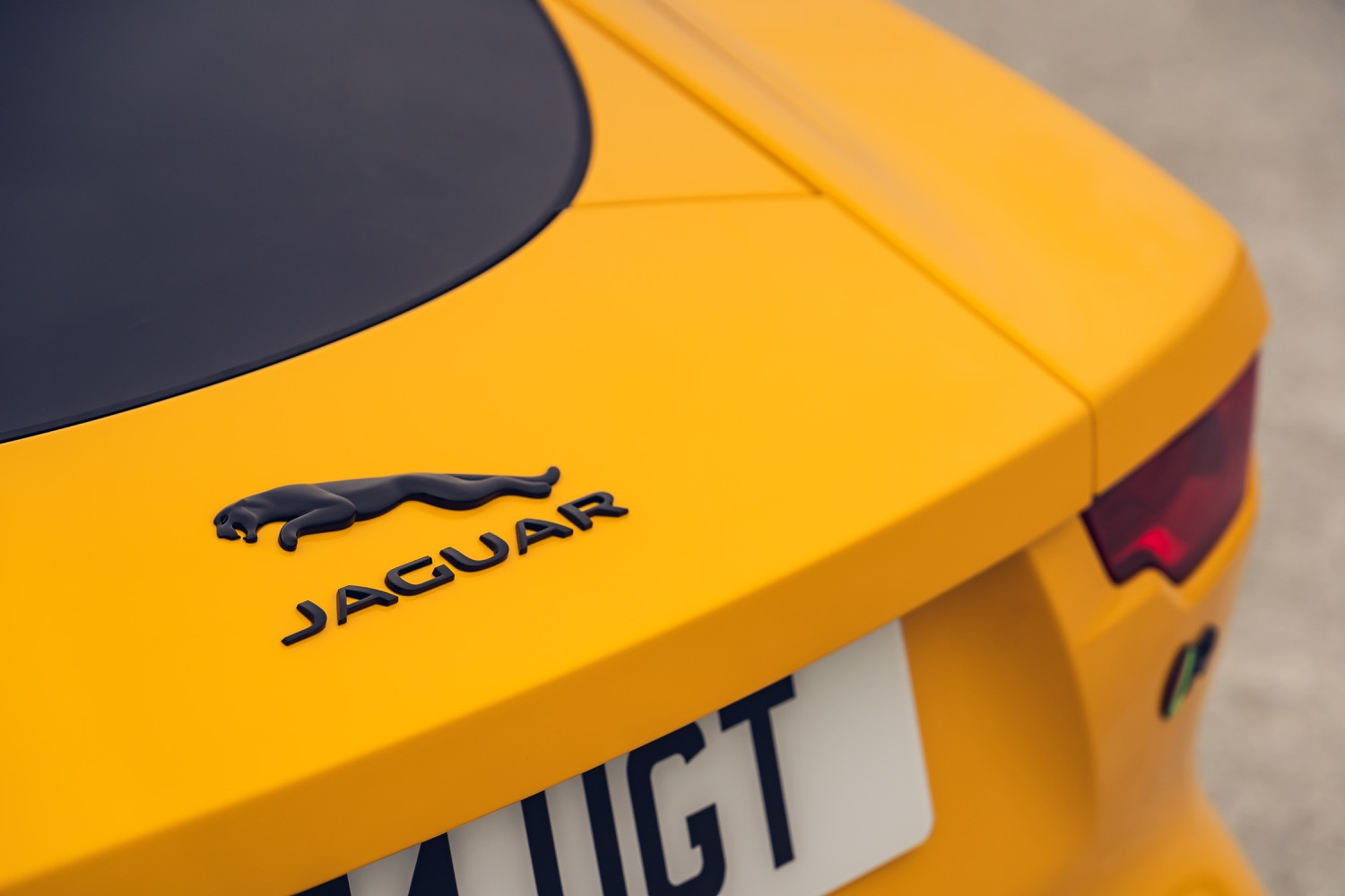 2020_jaguar_ftype_v8_awd_coupe_yellow_test_17