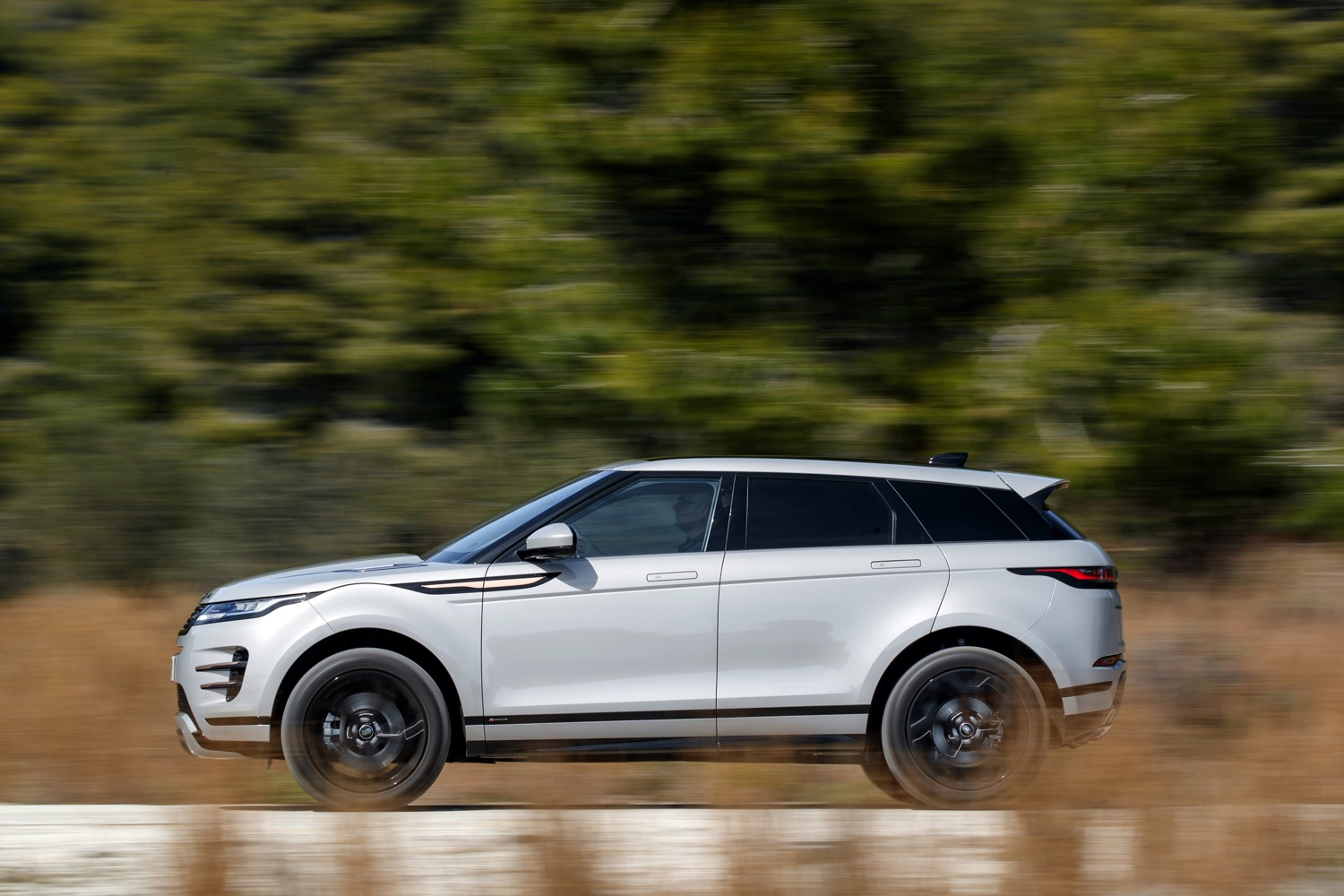 2020_land_rover_evoque_hybrid_test_13