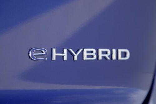 2020_vw_touareg_r_hybrid_06