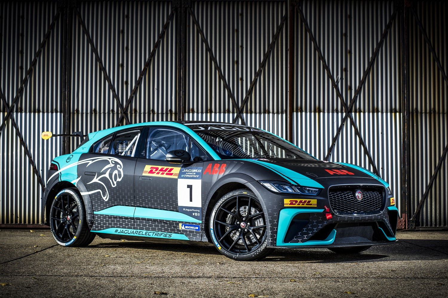 2020_jaguar_ipace_etrophy_test_03