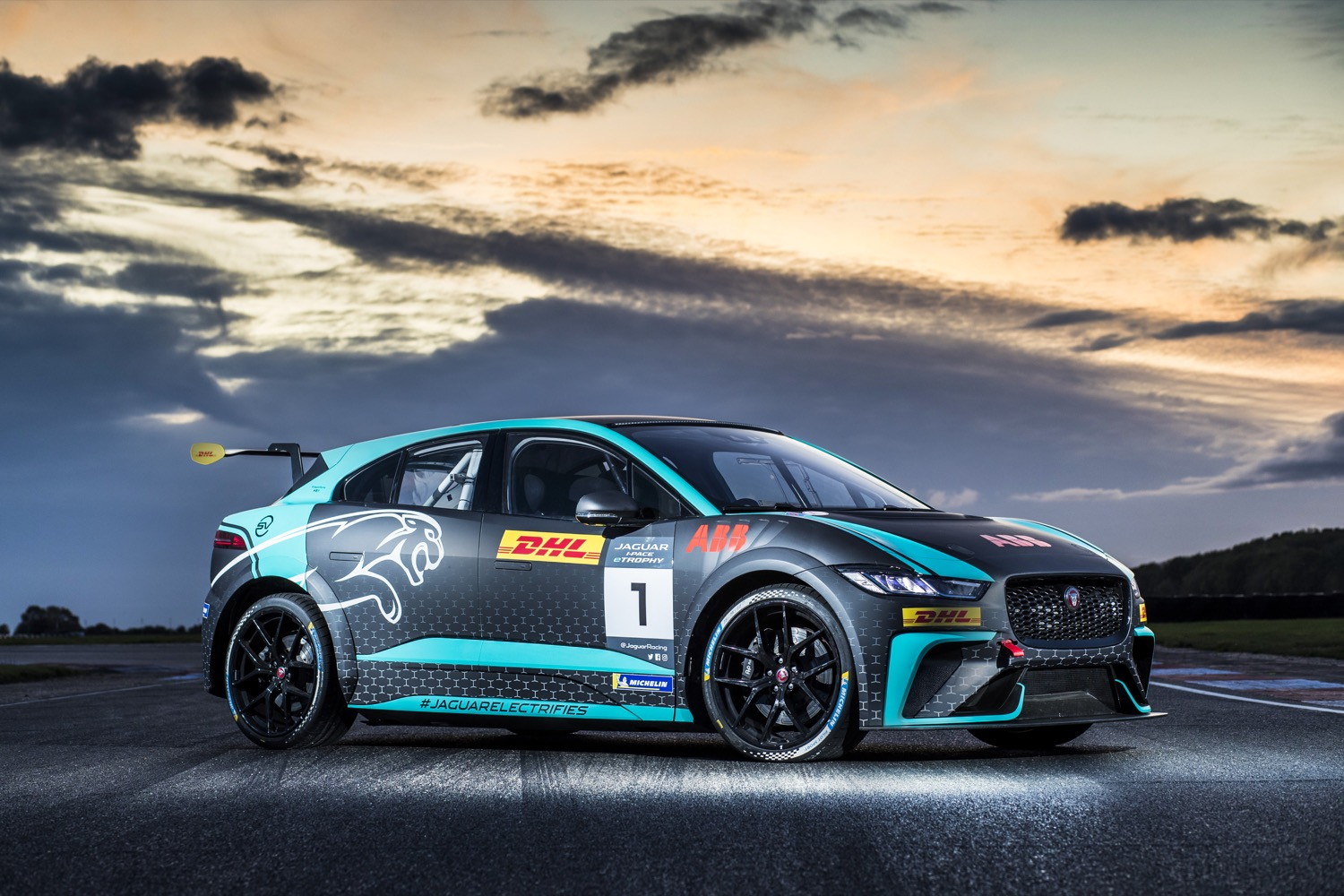 2020_jaguar_ipace_etrophy_test_07