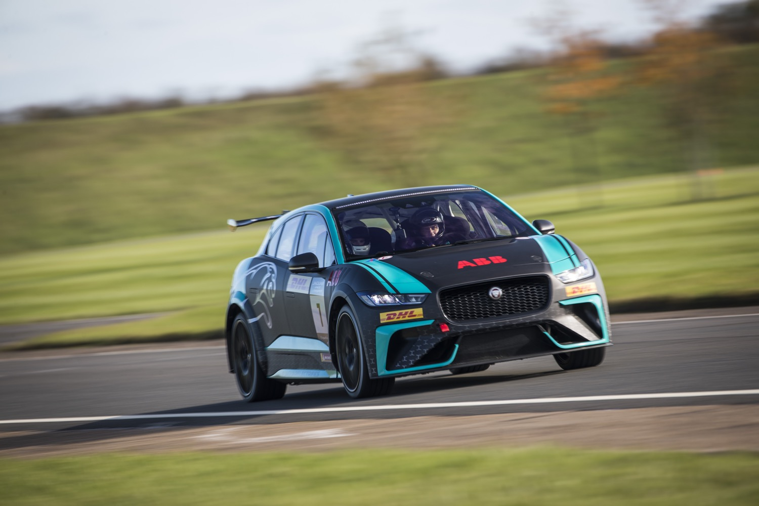 2020_jaguar_ipace_etrophy_test_15