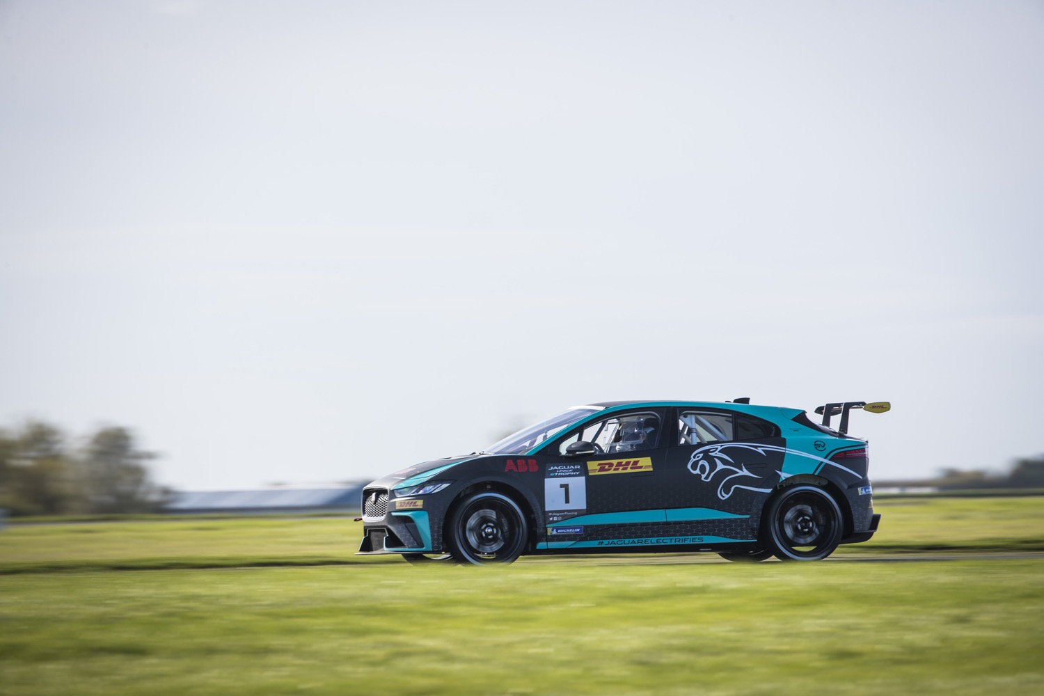 2020_jaguar_ipace_etrophy_test_16