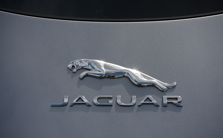 2020_jaguar_ftype_p300_my20_test_09