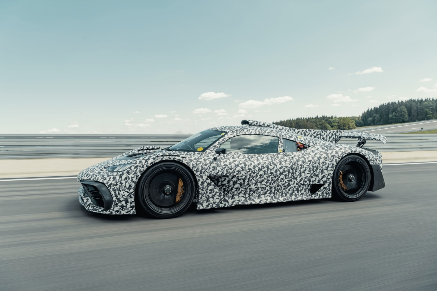 2020_mercedes_amg_project_one_02